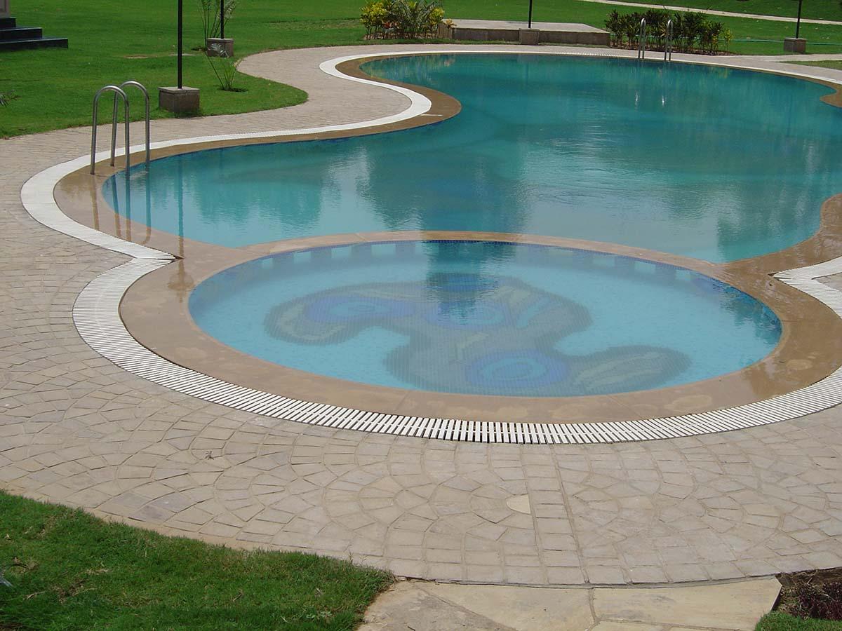 Autumn Brown cobbles pool surround