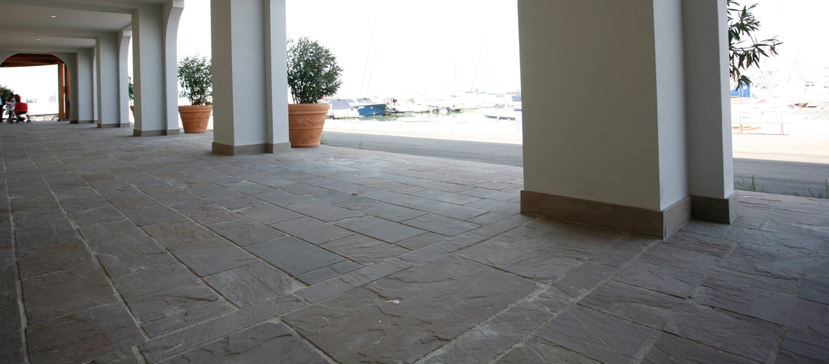 Autumn Brown Sandstone paving